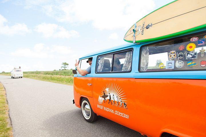 Digital nomad blogs, remote work, location-independent work, online jobs, nomadic lifestyle, blogging
