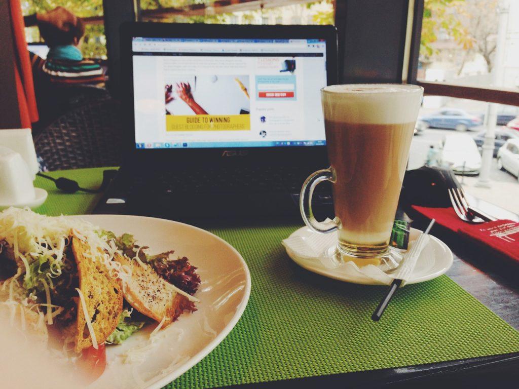 Internet Abroad, digital nomad, long-term travel, wifi connection, make money online, travel hacks