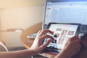 Shopify, Start a dropshipping Business, make money online, digital nomad jobs