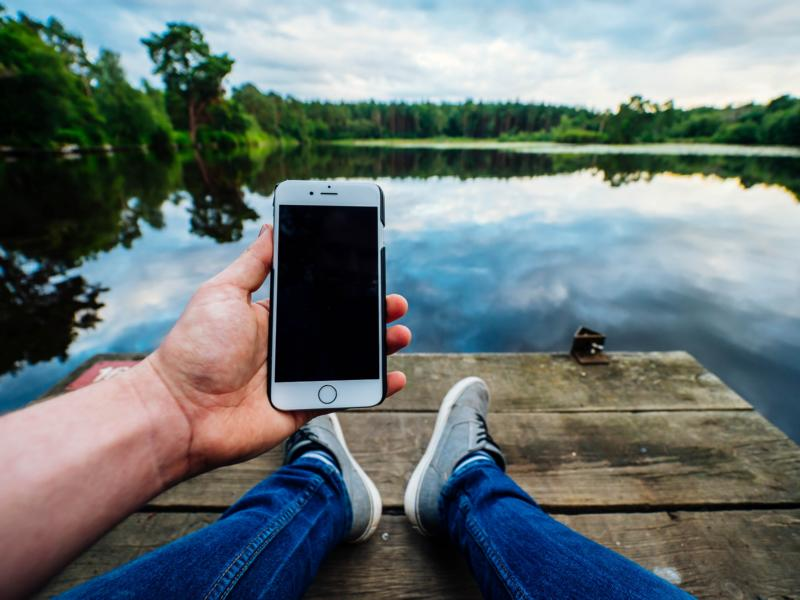 Top 5 Best International Hotspot Devices For Travelers & Digital Nomads