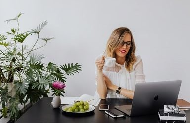 How to Structure Your Remote Work Day When Working From Home