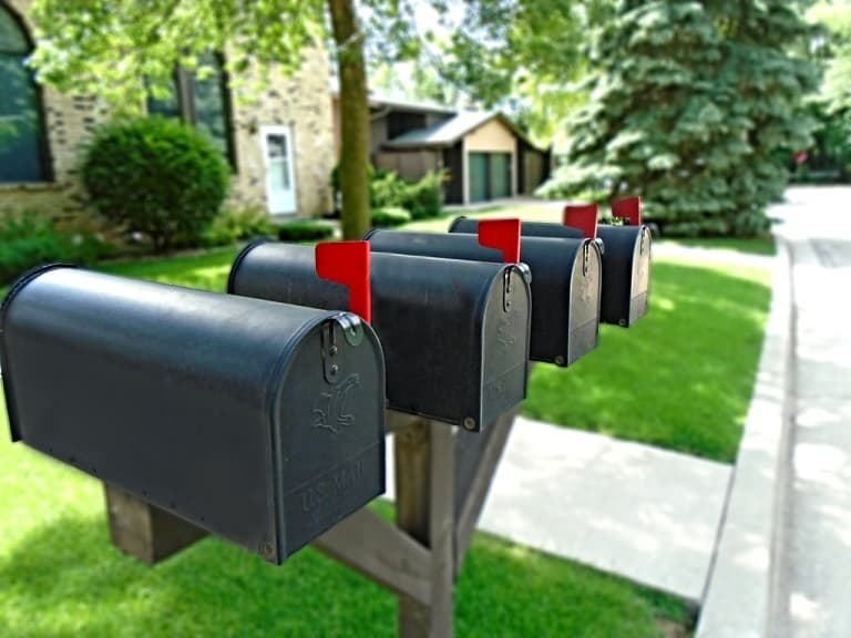 How to Manage Your Mail as a Digital Nomad, Traveler, or Expat?