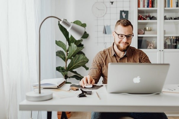 How to Find Work-from-Home Customer Service Jobs – Beginners Guide